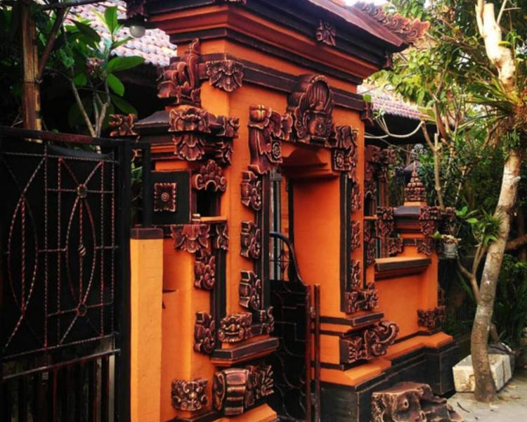 Angkul Angkul Style Bali Kombinasi Batu Bata & Batu Alam