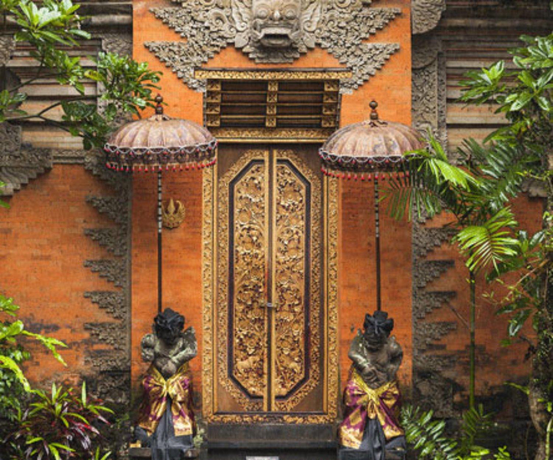 Keunikan Angkul Angkul Batu Bata Merah Pada Rumah Bali