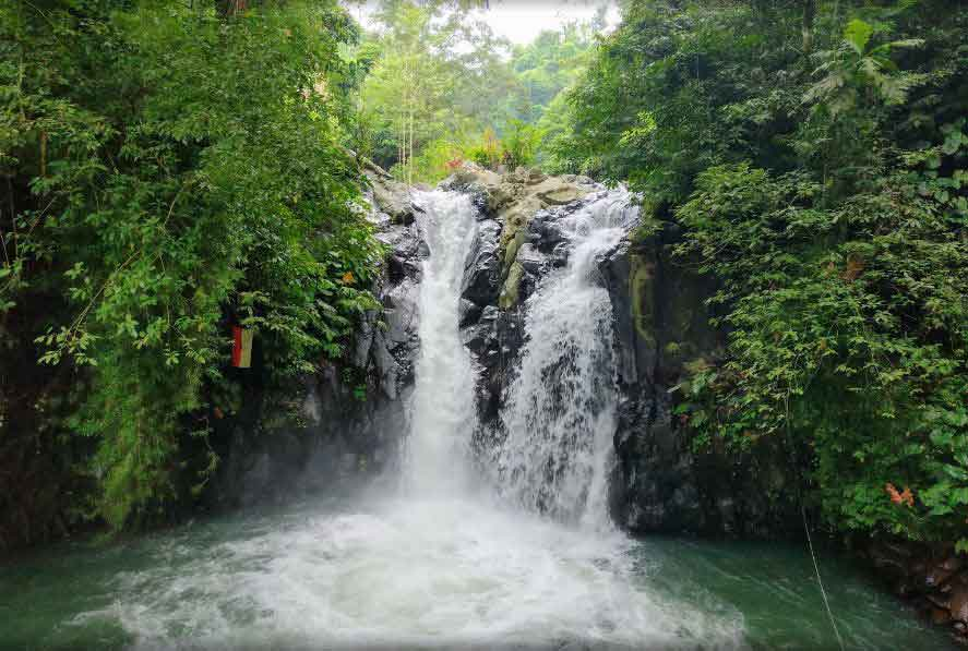 4 Reason Why Must Try Waterfall North Bali Jumping Tour