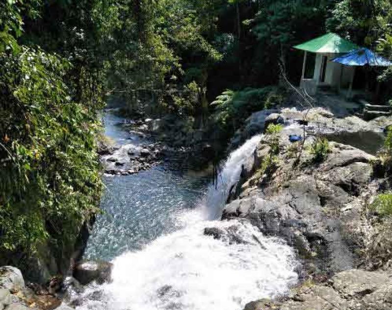 Waterfall Cliff Jumping Bali